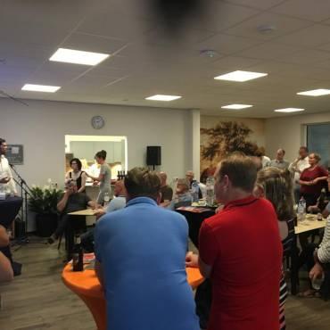 Foto's van jaarvergadering en Ondernemerscafé